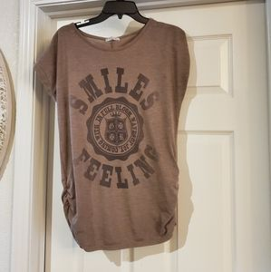 Smile feeling ladies shirt is size small